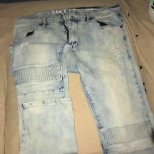 Men's light washed jeans